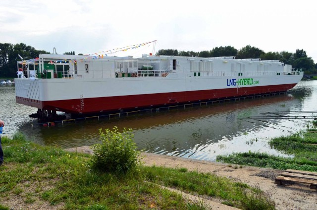 Successful launch of the LNG Hybrid Barge