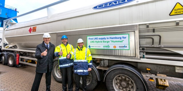 First gas container for the LNG Hybrid Barge reaches the Port of Hamburg