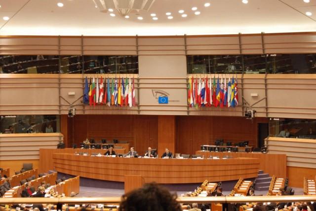 E.K.: για μια πιο αυστηρή οικονομική διακυβέρνηση