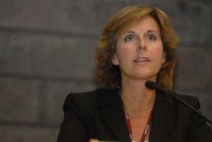 Στην Αθήνα η Επίτροπος Connie Hedegaard