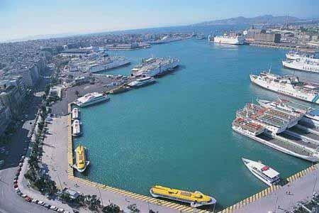 Ακόμα τρία επικίνδυνα πλοία στο λιμάνι του Πειραιά