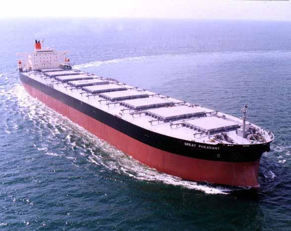Το Ρωσικό λιμάνι του Murmansk φορτώνει το πρώτο πλοίο capesize