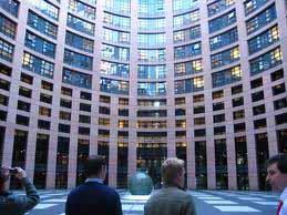 Η Επιτροπή εγκρίνει σχέδιο 50 δισεκατομμυρίων ευρώ για την προώθηση των ευρωπαϊκών δικτύων