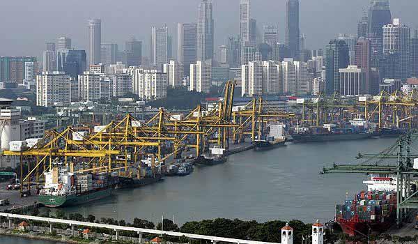Η Σιγκαπούρη επιβάλλει πρόσθετα κόστη σε πλοία πετρέλευσης μονού τοιχώματος