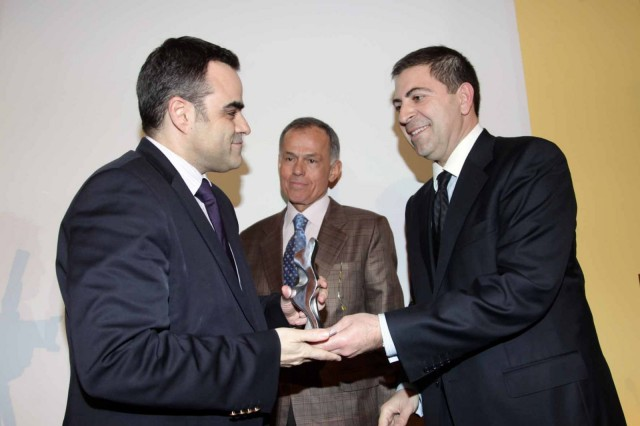 "Apostolos Poulovassilis awarded ""Manager of the Year"" 2011"