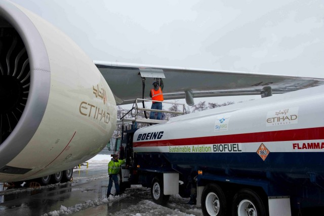 H Etihad Airways πραγματοποίησε την πρώτη πτήση με βιοκαύσιμα