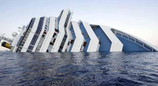 Εννιά εργαζόμενοι διώκονται για το ναυάγιο του Costa Concordia