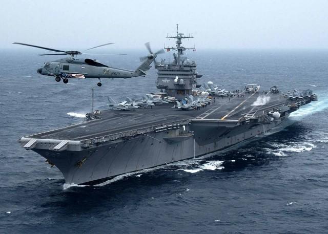 Το αεροπλανοφόρο «Enterprise» αγκυροβόλησε στον Φαληρικό όρμο
