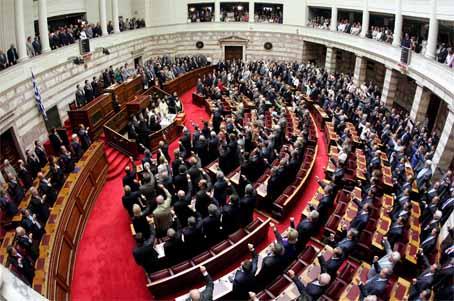 36 κόμματα και συνασπισμοί θα κατέβουν στις εκλογές τις 6ης Μαΐου