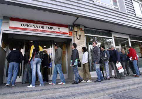 Αυξάνεται ο αριθμός των ανέργων στην Ισπανία
