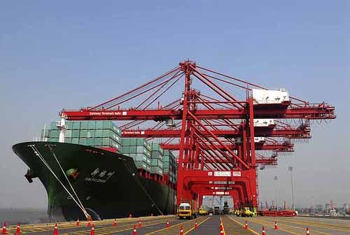 Το Γερμανικό λιμάνι του Wilhelmshaven προετοιμάζεται για να υπερκεράσει το Ρότερνταμ