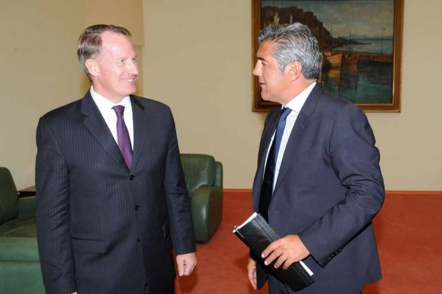 Συνάντηση του υπουργού Ναυτιλίας με τον πρέσβη των ΗΠΑ