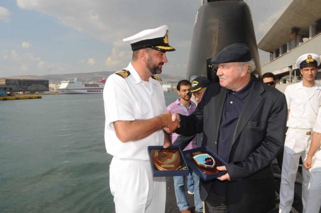 H διοίκηση του ΟΛΠ τιμά τους ναυτικούς