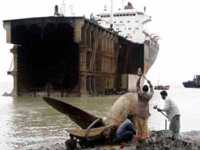 Διαλύσεις πλοίων: Οι Cash Buyers αγοράζουν αλλά με διάθεση σπέκουλας