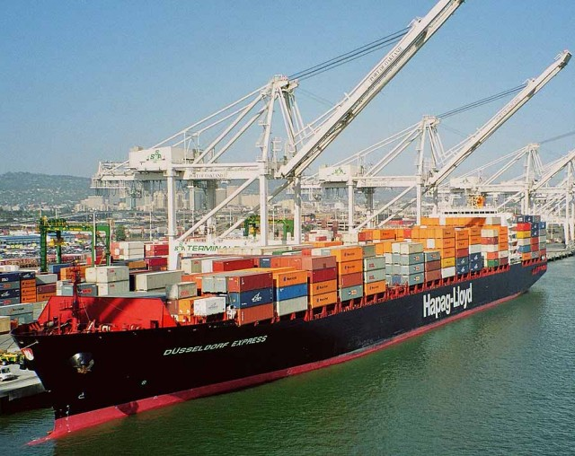 10 out of 10 for Hapag-Lloyd and International Paint