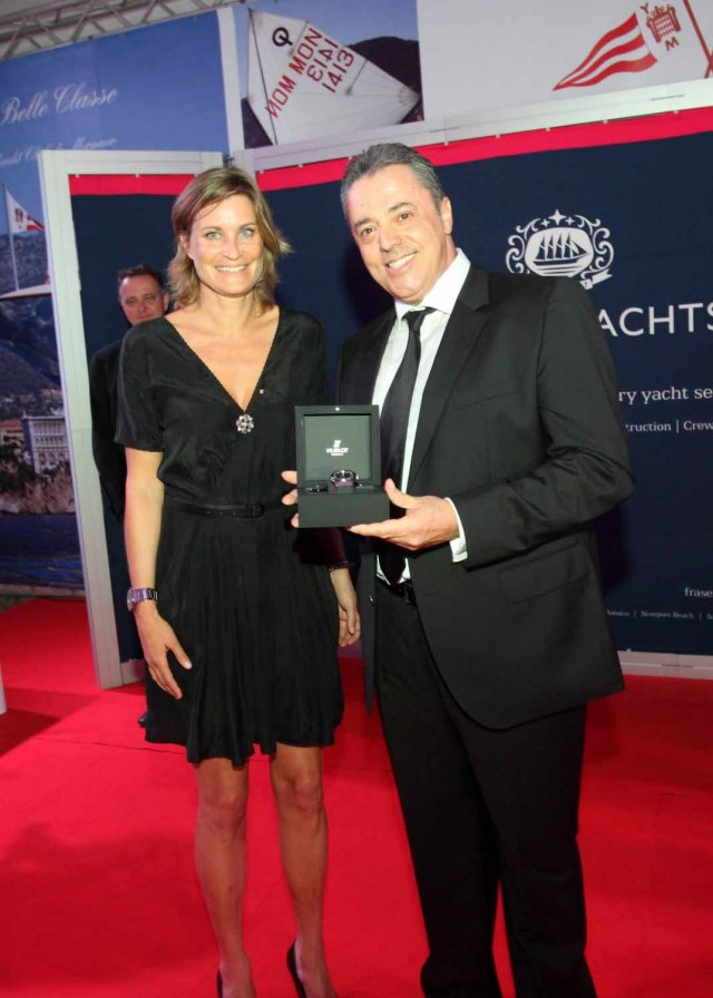 Takis Tsakos named charter captain of the year by Fraser Yachts