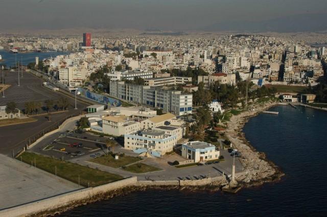 Ο Πειραιάς είναι ένα λιμάνι που μπορεί να δείχνει τα 2.500 χρόνια ιστορίας του