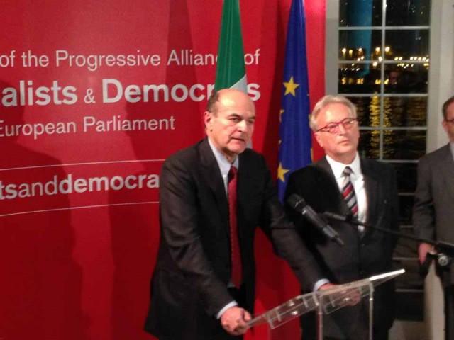 Aποστολή για να εκφραστεί η στήριξη στο Δημοκρατικό Κόμμα (PD) της Ιταλίας