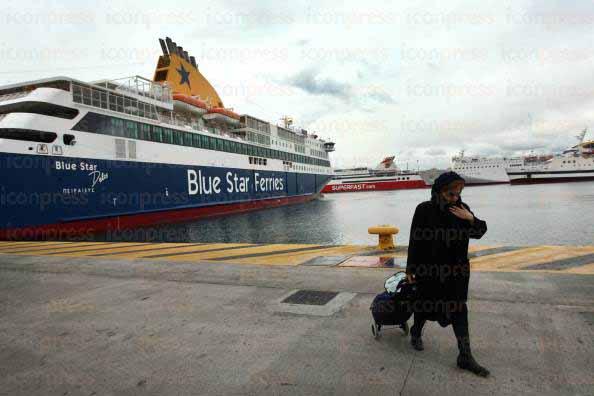 Δεμένα θα παραμείνουν τα πλοία στα λιμάνια έως τις 6 το πρωί της Δευτέρας