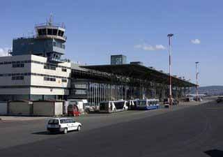 Η Επιτροπή εγκρίνει 93,7 εκατ. για το αεροδρόμιο «Μακεδονία»