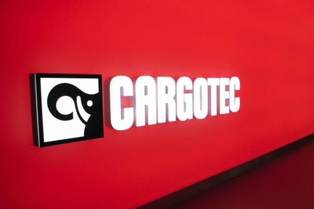MacGregor offshore cranes meet specialist operator's needs