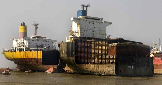 Διαλύσεις πλοίων: Σε πτώση οι αγορές σε στάση αναμονής οι αγοραστές