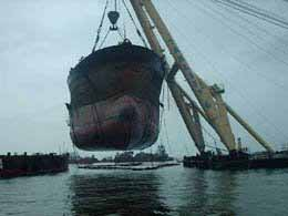 Πλοιοκτήτες και End Buyers σε στάση αναμονής