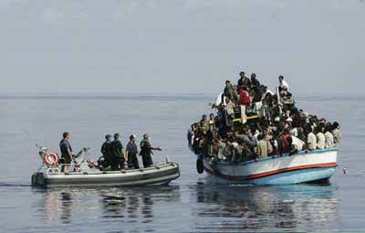 Έρευνα και διάσωση ικανού αριθμού επιβαινόντων σε κινδυνεύον Ι/Φ σκάφος