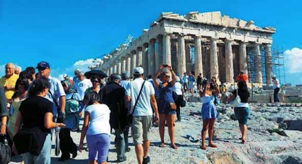 Η δυναμική τουριστική περίοδος δίνει στην Ευρώπη οικονομική ώθηση