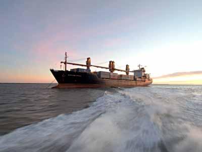 Το καυτό ερώτημα είναι αν οι πλοιοκτήτες θα προτιμήσουν τη λύση της διάλυσης ή όχι