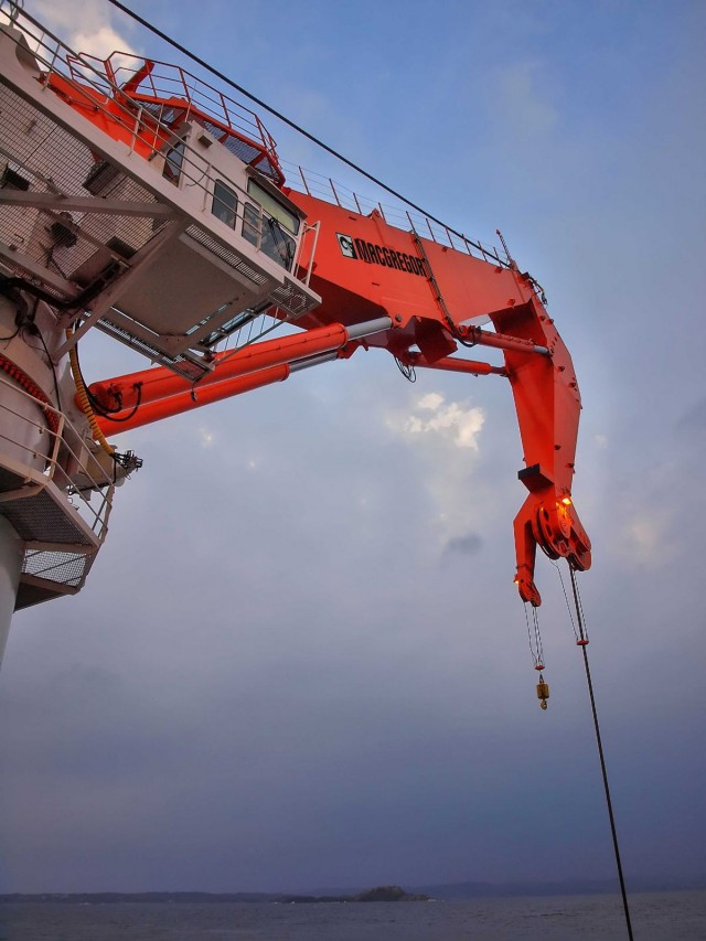 MacGregor subsea crane package ordered for Canadian construction project