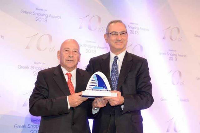 Και το Lloyd's Award πηγαίνει στον….
