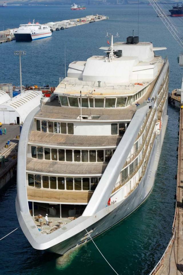 Gibdock prepares five-star floating hotel