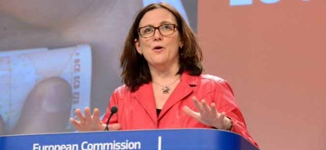 Στο ελληνικό κοινοβούλιο η Επίτροπος Cecilia Malmström