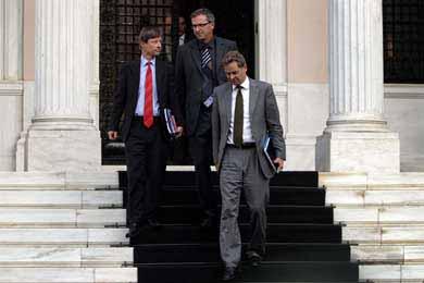 Αλλαγές στην Τρόικα και ανάληψη ευθυνών από τους υπουργούς ζητά το ΕΚ