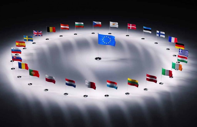 Tο ευρώ μπορεί να σωθεί μόνο αν η Γερμανία εγκαταλείψει τη νομισματική ένωση