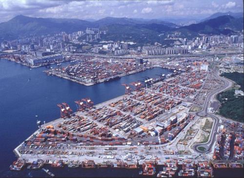 Επενδύσεις στο λιμάνι του Hong Kong για την εξυπηρέτηση των γιγαντιαίων containerships
