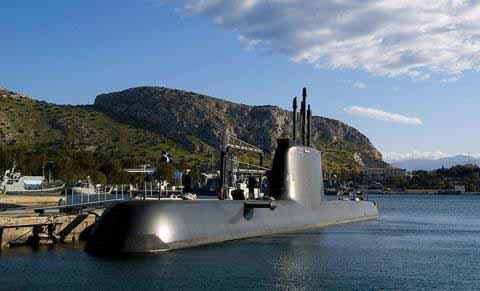 Το θρυλικό υποβρύχιο Παπανικολής στον Πειραιά