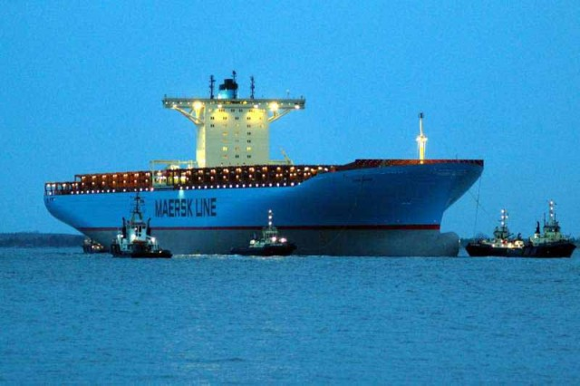 Tο Eugen Maersk στο λιμάνι του Πειραιά
