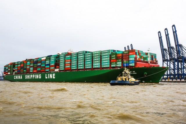 Το μεγαλύτερο containership στον κόσμο προσεγγίζει την Ευρώπη