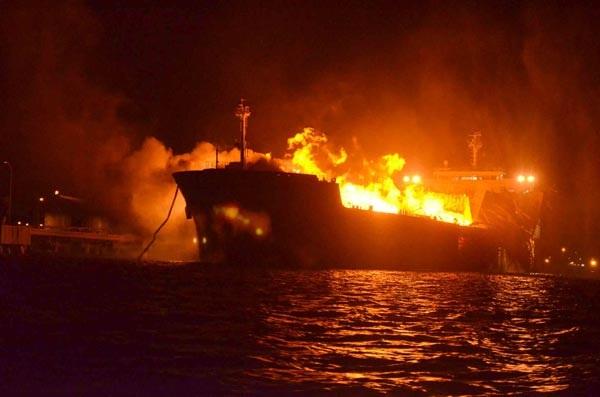 Δεύτερος βομβαρδισμός δεξαμενόπλοιου στη Λιβύη