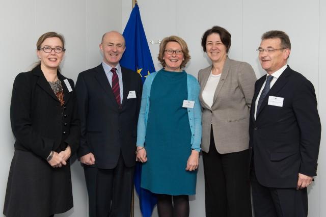 Συνάντηση του ESPO με την Επίτροπο Μεταφορών Violeta Bulc