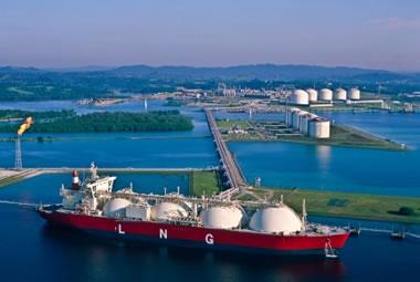 Σε αριθμούς ρεκόρ ανήλθε το εμπόριο LNG για το 2014