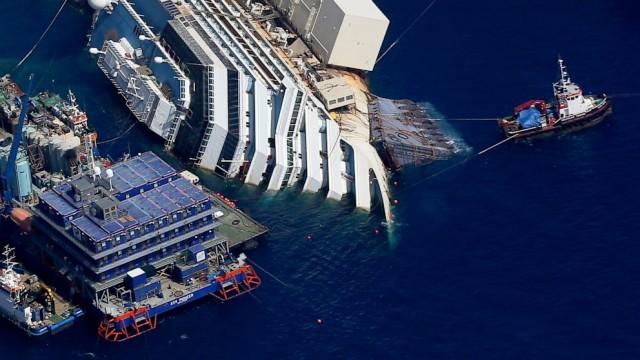 26 χρόνια κάθειρξη αντιμετωπίζει ο καπετάνιος του Costa Concordia