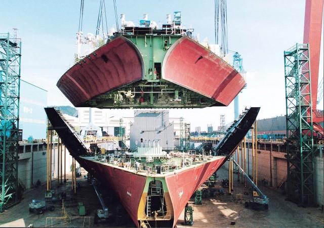 Δάνειο για ναυπήγηση 3 container ships έλαβε η Shanghai Waigaoqiao Shipbuilding