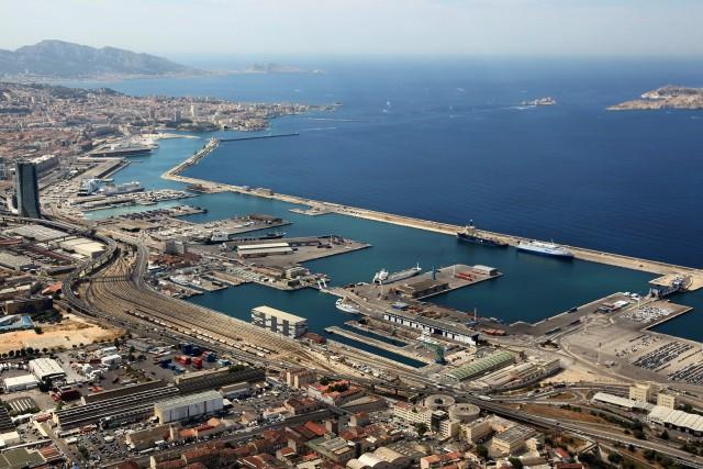 Η κλιμάκωση της βίας στην Ουκρανία καθιστά το λιμάνι της Μαριούπολης ανασφαλές