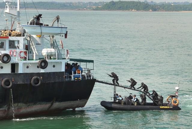 Δυτική Αφρική: Η πειρατεία προελαύνει