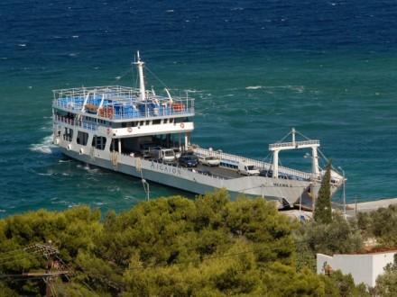 Ακυβέρνητο πλοίο ανοιχτά της Μυκόνου