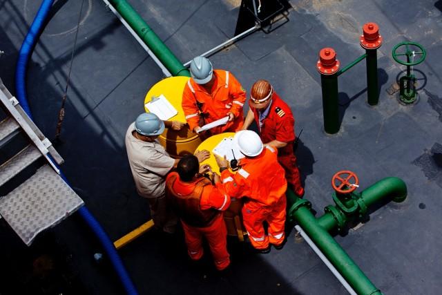 Πρωτοβουλία για τα εργασιακά δικαιώματα των ναυτικών