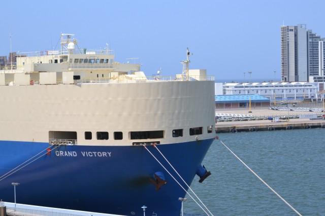 Προσοχή στους λαθρεπιβάτες ! Η Νότια Αφρική πετά το μπαλάκι στους πλοιοκτήτες